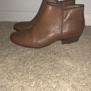 0449cc01ab1651 Sam Edelman Shoes - Sam Edelman Petty Saddle Leather Chelsea Boots 9.5